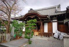 传统古老日本木房子 库存照片