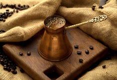 传统咖啡的罐 库存照片