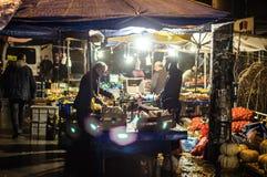 传统土耳其义卖市场在冬天 免版税库存照片