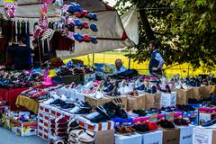传统土耳其义卖市场在夏天镇 免版税库存图片