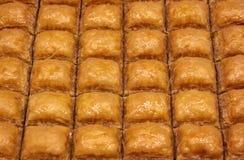 传统土耳其果仁蜜酥饼 图库摄影
