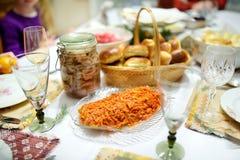 传统圣诞前夕晚餐在立陶宛,举行在12月二十四日 库存图片
