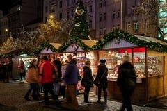 传统圣诞节市场在布拉格 免版税库存图片