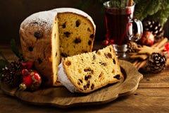 传统圣诞节意大利节日糕点用干果子 库存照片