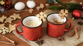 传统圣诞节饮料蛋黄乳用桂香,茴香星 股票视频