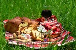 传统复活节的膳食 免版税库存照片