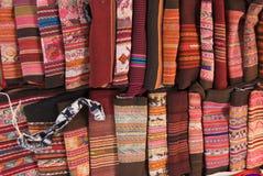 传统安地斯山的挂毯 免版税库存图片