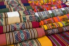 传统安地斯山的挂毯 免版税库存照片