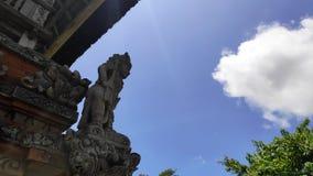 传统巴厘岛神雕塑 库存图片