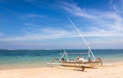 传统巴厘语小船 免版税库存图片