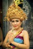 传统巴厘语穿戴的女孩画象 库存图片