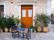 传统希腊海岛的门廊 免版税库存图片