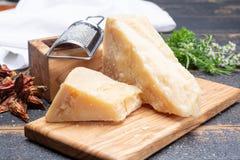 传统意大利食物- 36个月在洞意大利人parme变老了 免版税图库摄影
