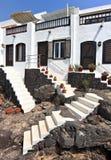 传统房子在Puerto Del卡门, Lanzarote 免版税库存图片