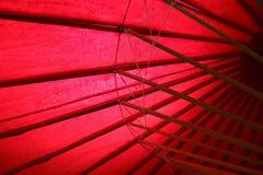 传统日本红色伞 免版税库存照片