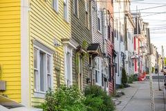 传统木房子在圣约翰斯街市,新发现 免版税库存照片