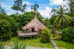 传统木Melanau房子 古晋沙捞越文化村庄 马来西亚 库存图片