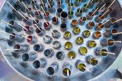 传统泰国冰棍儿制造商被做通过使用汁液倾吐对stai 免版税库存图片