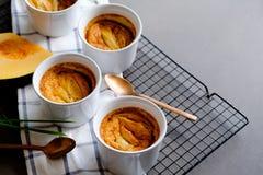 传统泰国点心南瓜和蛋乳蛋糕灌输了香茅 关闭视图 库存照片