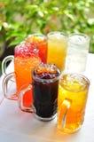 传统泰国饮料、果子和草本冷饮料 免版税库存照片