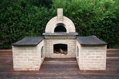 传统烤箱的薄饼 库存图片