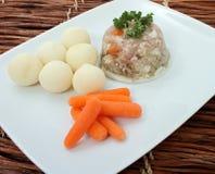 传统爱沙尼亚语果冻肉的猪肉 免版税库存照片