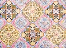 传统瓦片的细节从老房子门面的  装饰瓦片 瓦伦西亚语传统瓦片 花饰 西班牙 免版税库存图片
