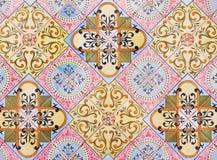 传统瓦片的细节从老房子门面的  装饰瓦片 瓦伦西亚语传统瓦片 花饰 西班牙 免版税图库摄影
