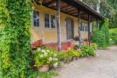 传统用木材建造的丹麦房子 免版税图库摄影