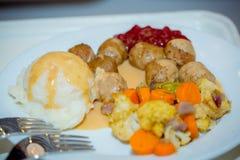 传统盛夏瑞典人食物 免版税库存图片