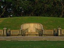 传统石的坟茔 免版税库存图片