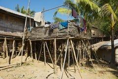 传统竹马尔马小山部落大厦在Bandarban,孟加拉国 免版税库存图片