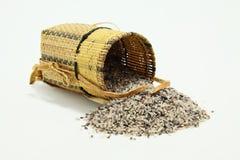 传统篮子婆罗洲红色的米s 库存图片