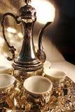 传统罐银色的茶 免版税库存图片