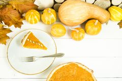 传统美国盘为在秋天时间的感恩天 免版税库存图片