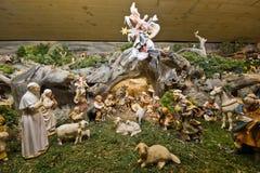 传统老圣诞节小儿床 免版税图库摄影