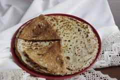 传统自创俄国薄煎饼 免版税图库摄影
