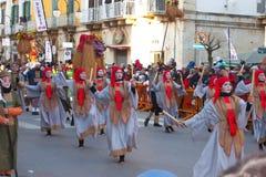 传统节日的跳舞人在意大利 免版税库存照片