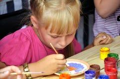 传统节日荨麻, Krapivna,俄国- 2011年6月18日 免版税库存照片