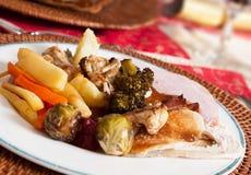 传统英国圣诞节午餐 免版税库存照片
