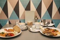 传统英式早餐国民食物 全世界一个著名盘 制表设置 库存照片