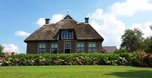 传统荷兰房子在羊角村,荷兰 库存照片