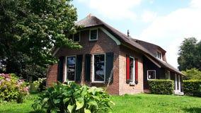 传统荷兰房子在羊角村,荷兰 免版税库存图片