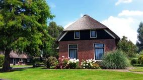 传统荷兰房子在羊角村,荷兰 免版税图库摄影