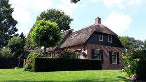 传统荷兰房子在羊角村,荷兰 免版税库存照片