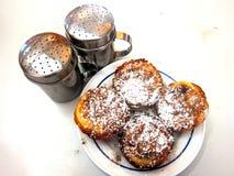 传统葡萄牙语结块pasteis de nata 免版税库存图片