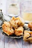 传统阿拉伯甜点心果仁蜜酥饼 库存图片