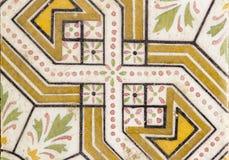 传统阿拉伯creamic设计楼层花的瓦片 图库摄影