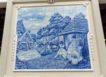 传统陶瓷砖在描述地方生活的马德拉岛的丰沙尔 库存图片