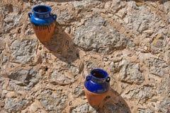 传统陶瓷mallorcan的罐 免版税库存图片